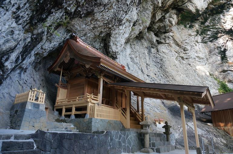 八重山神社